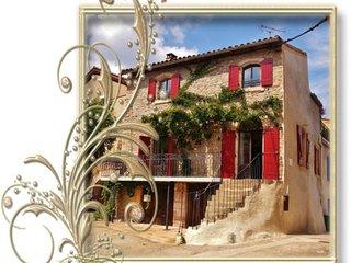 Nouveauté sur Tripadvisor, Maison de village lumineuse, 4 étoiles - Octon vacation rentals