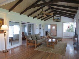Charming Hawaiian Plantation home...walk to see the turtles or Maui at sunrise - Kailua vacation rentals