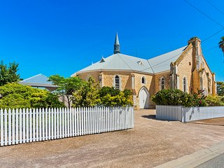 Nice House with A/C and Satellite Or Cable TV - Wallaroo vacation rentals