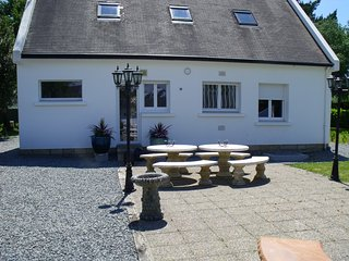 Peaceful remodeled Brittany villa 200 yards from the coast - Névez vacation rentals