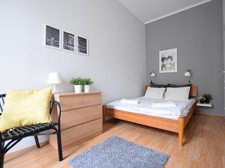 Hi5 Apartment 05 - Budapest vacation rentals