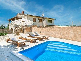 Lovely 2 bedroom Villa in Nova Vas - Nova Vas vacation rentals