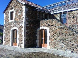 Maison individuelle avec terrain, dans un Hameau authentique en Pierre du Pays. - Les Vans vacation rentals