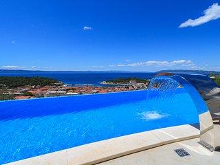 4 bedroom Villa with Internet Access in Makarska - Makarska vacation rentals