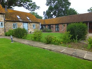 Nice 2 bedroom Heathfield Barn with Internet Access - Heathfield vacation rentals