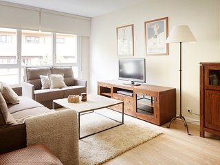 Nice Condo with Internet Access and Washing Machine - Baqueira Beret vacation rentals