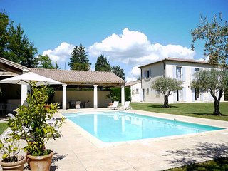 Martignargues Gard, Luxury Villa 12p. heated pool, jacuzzi - Martignargues vacation rentals