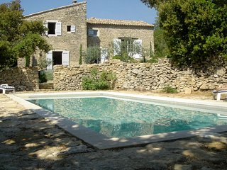 Authentic old landhouse 8p. Goudargues Gard, private pool - Goudargues vacation rentals