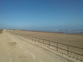 Holiday Bungalow in Sutton on Sea 50 meters from miles of beach - Sutton-on-Sea vacation rentals