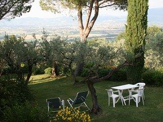 Attic of Luxury Villa with Pool close to Assisi (LA CASA DELLA GINESTRA) - Bettona vacation rentals