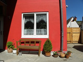 Cozy 3 bedroom Lauda-Konigshofen Apartment with Central Heating - Lauda-Konigshofen vacation rentals
