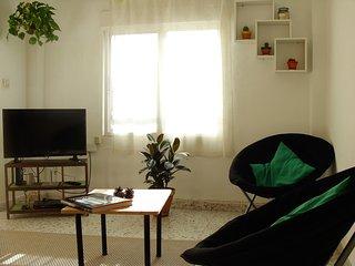 Cozy and luminous flat near the beach and Ciudad de la Ciencia. - Valencia vacation rentals