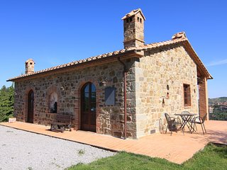 Castagnatello Estate - Noce cottage - Seggiano vacation rentals
