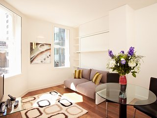 Modern London City Serviced (email: hidden)rpool Street Station - LC Open Plan - London vacation rentals