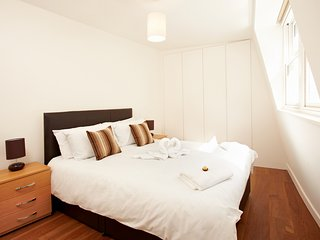Urban Stay Executive 1-bed (email: hidden)rpool Street Station - LC - London vacation rentals