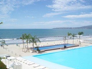 Amazing Beach Property - Flamingos vacation rentals