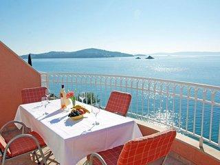 TOP LOCATION! SEA FRONT Nr Trogir Apartment tip 2+1A - Seget Vranjica vacation rentals