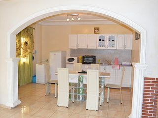 Cozy 2 bedroom Apartment in Douala - Douala vacation rentals