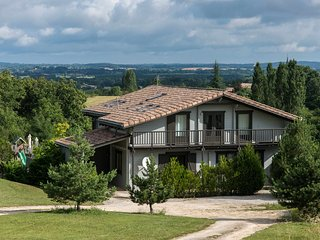 Nice Villa with Internet Access and Tennis Court - Saint-Etienne-de-Villereal vacation rentals