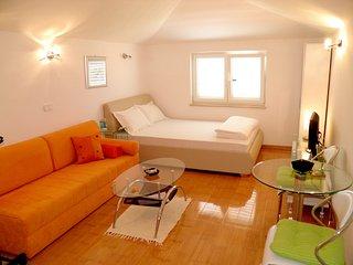 Sweetie - Studio apartment with shared pool - Funtana - Poreč - Funtana vacation rentals