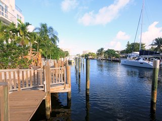 3BR/3BA on CORAL RIDGE Canal off Intracoastal. Walk to Shops and Beach - Fort Lauderdale vacation rentals