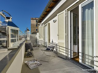 Ponte Vecchio (Guelfo) - Florence vacation rentals