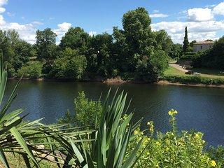 Maison avec piscine vue sur la rivière dordogne - La Force vacation rentals