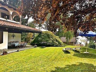 Nice 4 bedroom Villa in Arizzano with Internet Access - Arizzano vacation rentals
