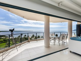 Cairns Luxury Penthouse - Cairns vacation rentals