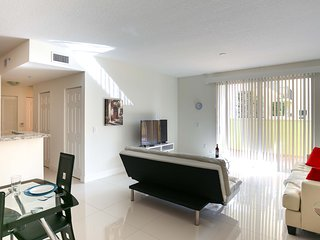 Coral Gables 1 bedroom Furnished Suite - Walk to Merrick Park - Coral Gables vacation rentals