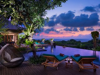 Clifftop Ocean View 7 Bedroom Villa, Nusa Dua - Nusa Dua vacation rentals