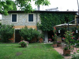 Verona, Italy: Culture, Wines, Relaxation at your holiday doorstep - Parona di Valpolicella vacation rentals