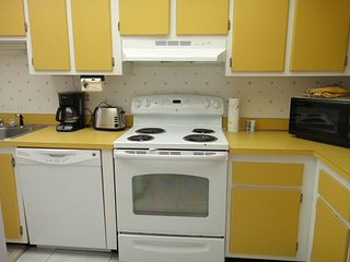 7520 Ridgewood Ave Unit #205 :: Cape Canaveral Vacation Rental - Cape Canaveral vacation rentals