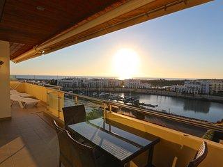 Aquamar Sea and Marina View, CD 91 - Vilamoura vacation rentals