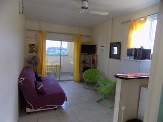 1 bedroom Condo with Housekeeping Included in Saint-Joseph - Saint-Joseph vacation rentals