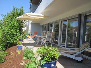Haus Alexander -Fewo Gartenterrasse- Große Ferienwohnung mit Terrasse und Garten - Meersburg (Bodensee) vacation rentals