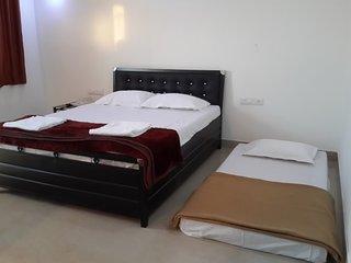 Romantic 1 bedroom Bungalow in Mahabaleshwar - Mahabaleshwar vacation rentals