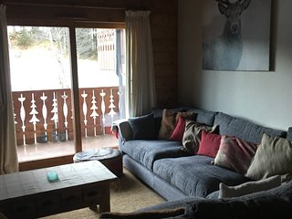 Bright Condo with Satellite Or Cable TV and Television - Morillon vacation rentals