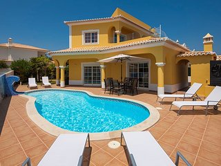 Stunning 3 bedroom villa walking distance of Carvoeiro - Carvoeiro vacation rentals