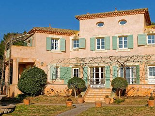 Languedoc vacation rentals on a golf course with pool - Montblanc vacation rentals