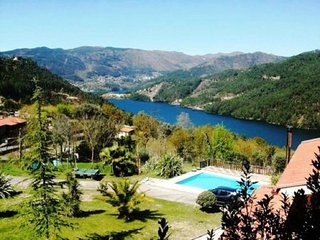 5 bedroom House with A/C in Geres - Geres vacation rentals