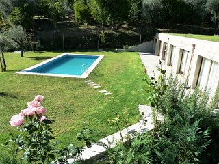Beautiful 4 bedroom House in Geres with A/C - Geres vacation rentals