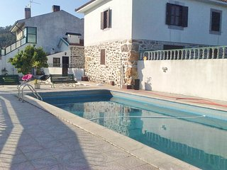 Bright 5 bedroom Paredes House with Shared Outdoor Pool - Paredes vacation rentals