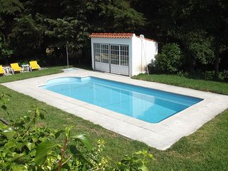 2 bedroom House with Shared Outdoor Pool in Fundao - Fundao vacation rentals