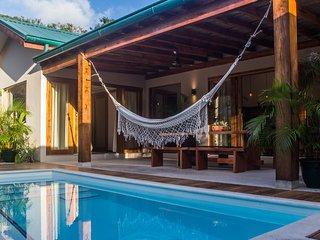 Villas Tropical | Sunset Villa |3BR | AC |WIFI | Swimming Pool | 3' walk to sea - Santa Teresa vacation rentals