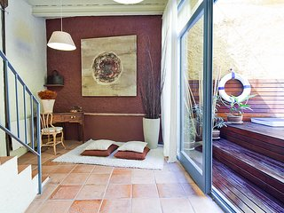Casa Ullastret  old stone village house, two floors, small swimming pool - Ullastret vacation rentals