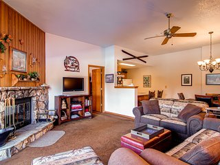 2 BD/2 BA Condo, walk up,mountain retreat for 6 - Silverthorne vacation rentals
