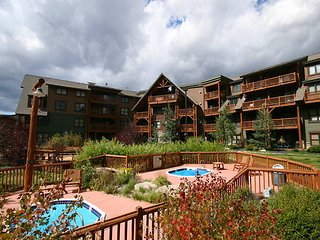 Walk to Keystone lifts! knockout decor.Heated garage parking with easy access wi - Keystone vacation rentals