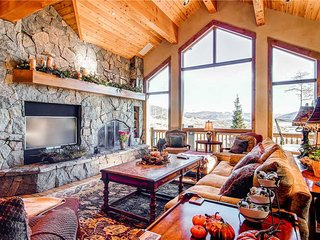5 BR/ 4 BA second to none luxurious mountain home, sleeps 13, private hot tub, great views! - Silverthorne vacation rentals