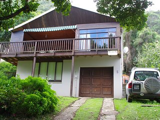Perfect House with Deck and Satellite Or Cable TV - Keurboomstrand vacation rentals